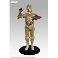 C-3PO con brazo rojo...